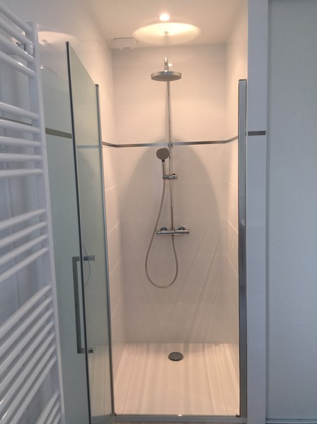 salle de bains réalisée par Vivien Sarl, plombier les herbiers
